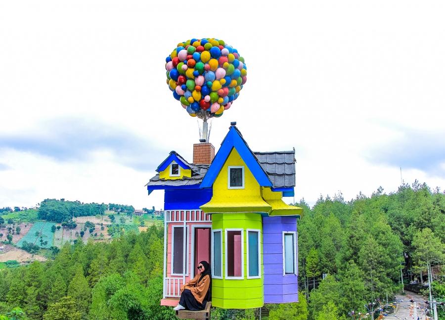 Hasil gambar untuk up house dago dream park